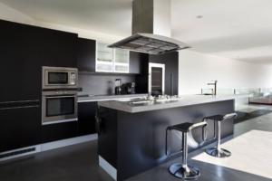 kitchen black white
